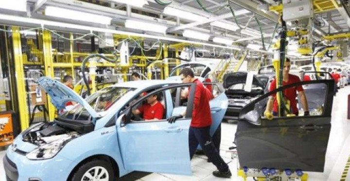 Fabrikalar ihracatla ayakta durabiliyor